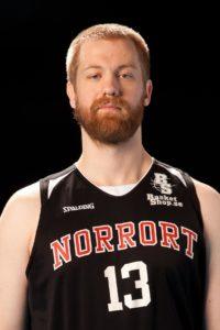 Martin Hallström Född: 1991 Center, 200 cm, 100 kg Moderklubb: Täby Basket Foto: Idrottsfoto